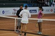 Himari Sato (JPN) y Clara Burel (FRA)